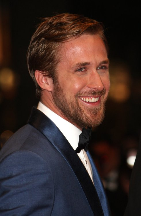 ryan_gosling_blonde_beard_blue
